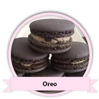 Oreo Macarons bestellen - Happy Cupcakes